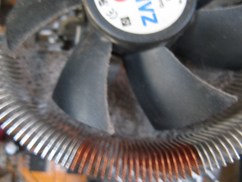 Computer Spring Cleaning: CPU Heatsink Dust