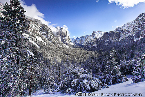 Frosty winter morning at Tunnel View (Yosemite National Park)