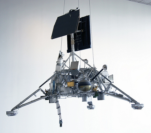 Surveyor lunar lander - Smithsonian Air and Space Museum - 2012-05-15