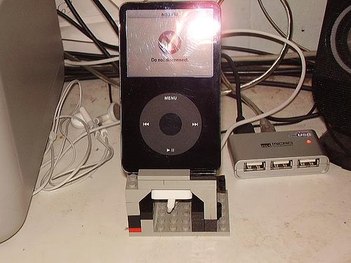 Lego iPod Dock 004