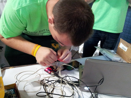 College of Engineering students volunteer at Yes Expo!, engage Michigan youth in STEM