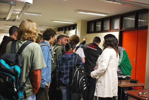 Apresentação do coletivo DAMA no espaço Santander Cultural de Porto Alegre