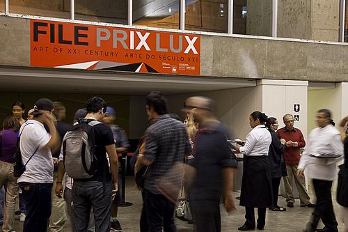 Votação Popular na entrada no foyer do prédio da FIESP