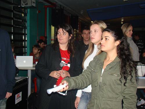 Interação do público na apresentação do Coletivo DAMA