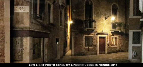 CALLE DE NOAL - VENICE - NIGHT TIME