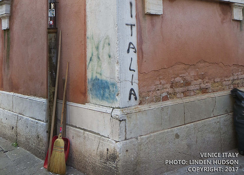 CORNER IN VENICE WITH BROOM