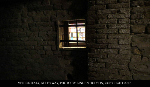 ALLEYWAY IN VENICE AT NIGHT
