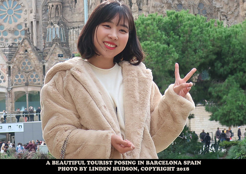 BEAUTIFUL YOUNG WOMAN IN BARCELONA SPAIN