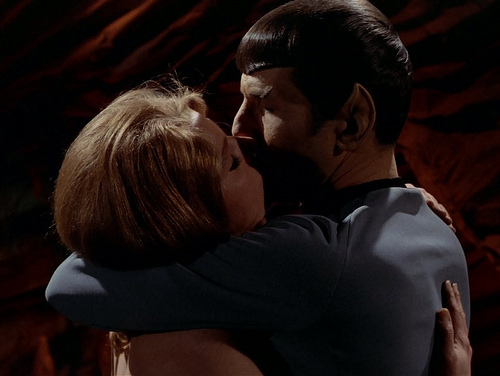 Mariette Hartley, Leonard Nimoy, The Kiss, Star Trek TOS,