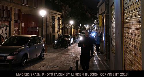 MADRID NIGHT STREET - GRUNGE