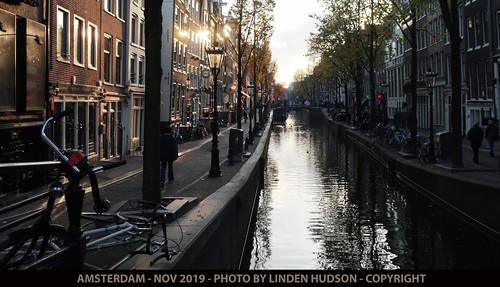 AMSTERDAM STREET & CANAL - SUNLIGHT GLANCE
