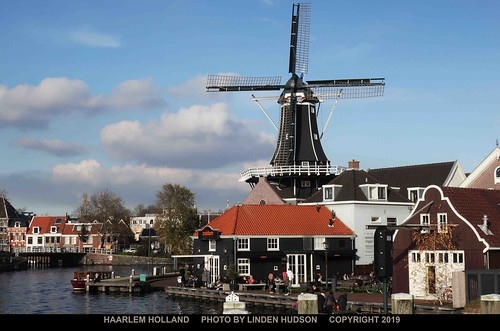 BEAUTIFUL WINDMILL - HAARLEM HOLLAND